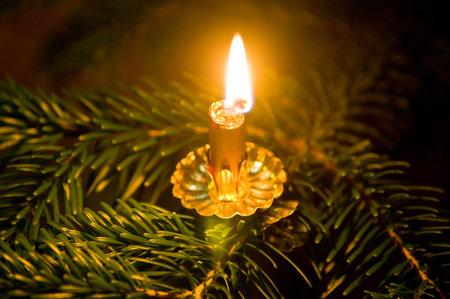 Weihnachtsbaum Brauchtum.Buntes Brauchtum Rund Um Weihnachten